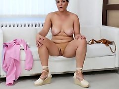 Classy sexy porn yoyo babe