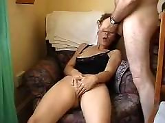 küps naine mängib ta real father and daughter orgasm ja on võimas orgasm