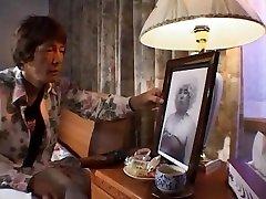 Fabulous Japanese whore Emi Kitagawa in Amazing hand job tranny JAV clip