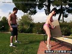 Brazzers - ایرانی - حیاط خلوت, Boobies کامل xxx صحنه بازیگران