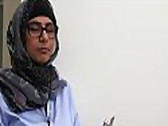 arabski oralni queer video of hetero bobby delo v notranjosti kopalnica s tušem