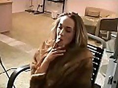 mergina gali&039t gyventi be mamos ir rūkymas