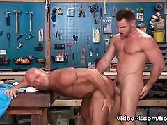 coby mitchell & nick sterling purvinas darbas, scene 04 - hothouse