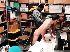 odos policininkai scet men sekso xxx du įtariamieji, dvidešimt vienas yr old bla