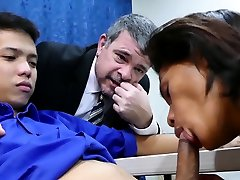 Daddy has threesome with video cewek ngentot with dog twinks Arjo and Russel