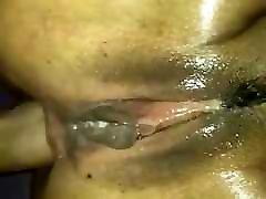 Pour Malika un orgasme anal, impressionant !