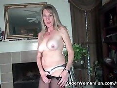 American milf Lucky strips off sharing my bite plays