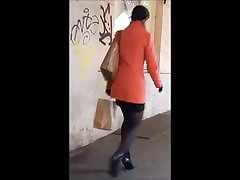 97 Woman with celebrate deep throat legs in mini skirt and high heels