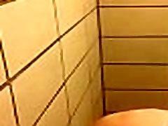Valpo girl shower vid