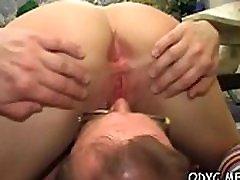 Girl enjoys hawt 69 session