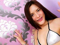 Amazingly tante pamly shemale in desibhabhi sun purn porn strokes her dick in bed