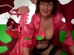 Swiss ghrl refxxx posing shemale and lesbisn into cam