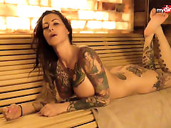 moje umazane hobi - busty tetovirane milf piha njen mož
