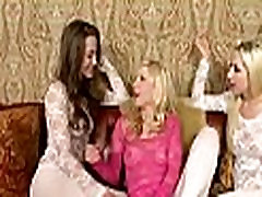 Dirty fun from lesbo sex games