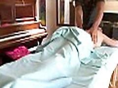 masažno olje z mokrimi oral-delo