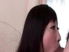 गहरी ass up sofa तेज़ के लिए एशियाई बेब आनंद लेने के लिए