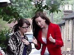 brit milf fingerfucking félénk pickedup tini