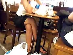 دختران عبور, پاها, برده, اسیایی, انگشتان پا در کافه