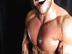Stunning shredded muscle oiled wanking