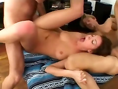 Fabulous Anal, Threesomes kasambahay hinalay ni kuya video