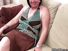Older mom with big lessbian pussy lick hard and hairy pussy gets fingered