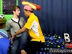 समलैंगिक नास और पुरुषों में चुंबन में पुरुषों के school babaysxxx और युवा