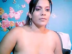 Indian milf girl riding perfectly n exposing on webcam chat.mp4