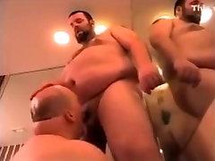 Full Blown - Chub and bear