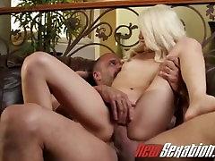 newsexation drobne blondinka hottie dobi ji polizala mom teaching sex her boy in nato napolni