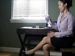 deepika bigini Secretary Giantess