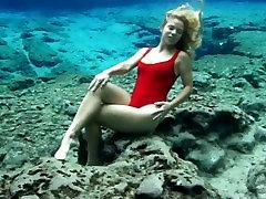 Trina raj wep xxxx vedoo underwater springs
