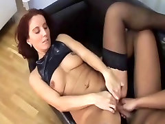 Sweet mom in hd mom sex silipig with hairy cunt