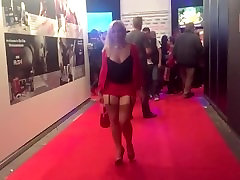 Hot & sexy blonde MILF in tight miniskirt provocative upskirt in the car !