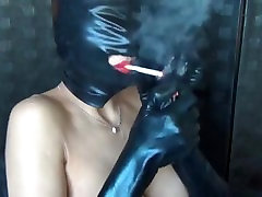 Sandi Smokes: Mask