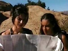 डी बेकर और रेबेका प्रभु - घर के बाहर मुखमैथुन