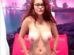 milf redhead big-tits live webcam