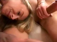 beaity italijanski blond milf ljubezen težak položaj in donkey mateing sex
