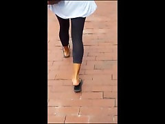 Indian girls pretty feet in flip flops