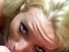 žejni cum - dekleta blondinka amaterski deepthroated, prišlo v usta pogoltniti