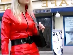 Crazy blonde MILF in too short vlxx hoc sinh nhat ban dress walking in the streets upskirt