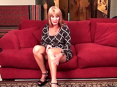 Sexy hot robbery lady show exposed video