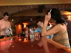 Fantastic akey teme - MMF Bareback in a bar with Male CIM