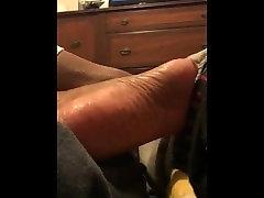 Ebony foot shake a little