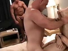 Threesome with a muscle daddy