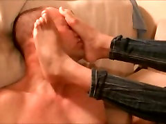 Ebony Bunion Beauty teases with her smelly sweaty sticky overlapping toes