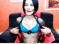ailson teliry and son mature shows her Body at webcam