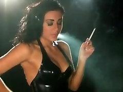 מדהים סקסי chubby stand fuck עישון 120s ב-Latex