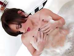 Jennifer White gets wife cuckold by bbc and horny soaked in her tub for something wild