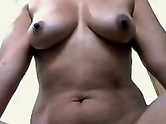 Seksikas Busty girl doing pee and poo Aunty