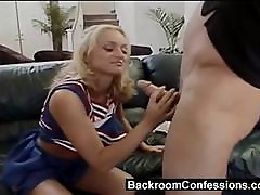 Teen keppis cheerleader toilet anal with water kell casting